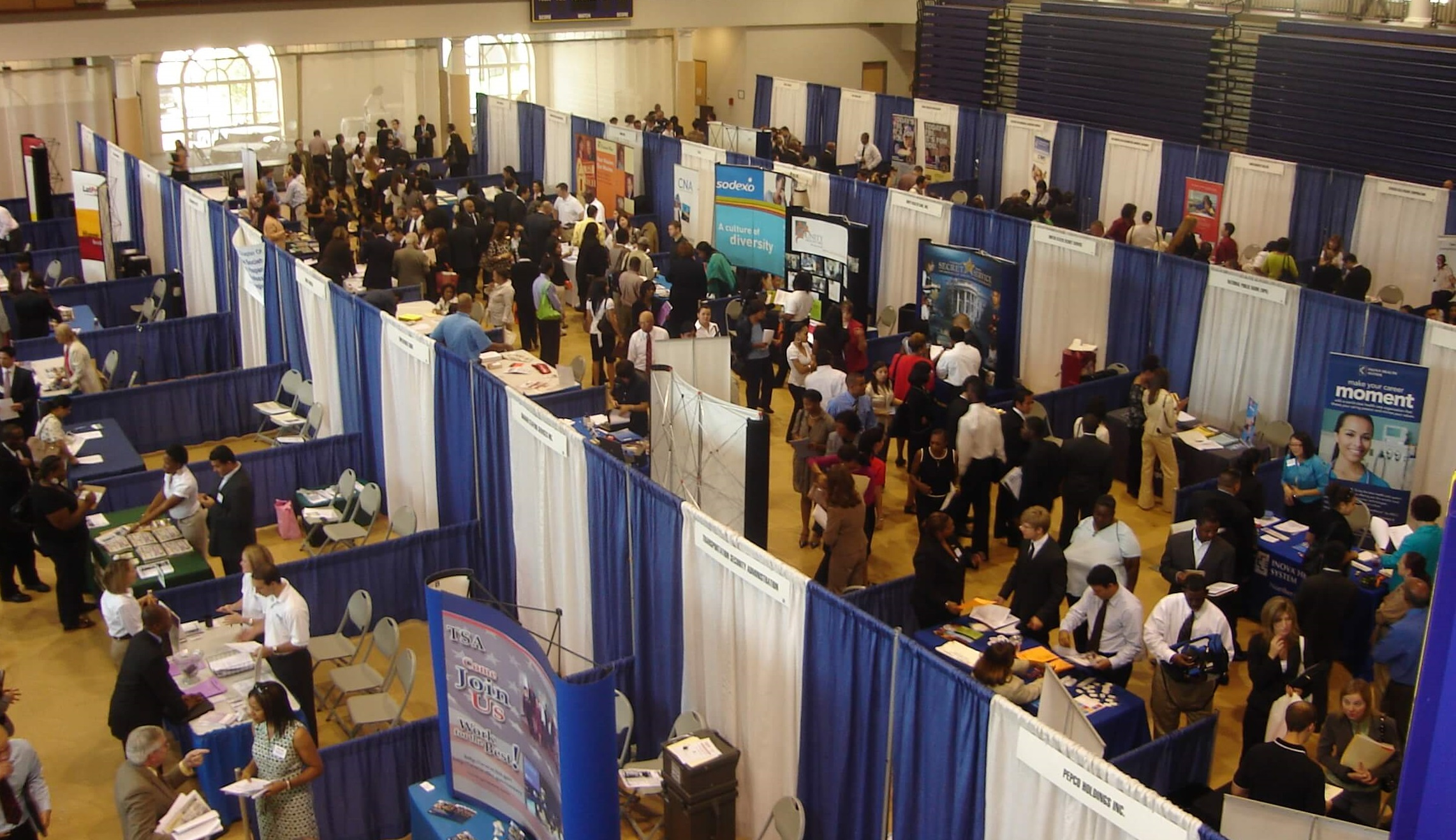 how to behave at job fairs.jpg